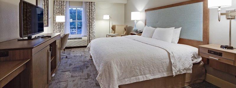 Hampton Inn bedroom