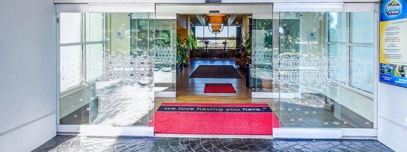 Hampton Inn entrance